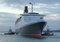 Photograph of the QE2's final arrival into Southampton