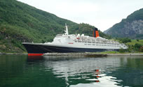 The QE2 at Flaam on 29 June 2008
